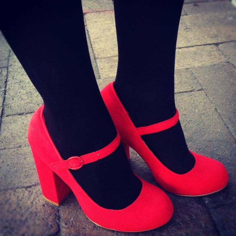 kırmızı ayakkabı 4